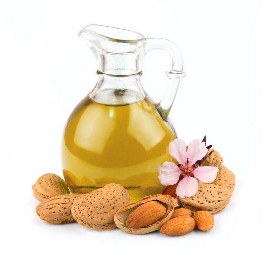 Almond oil, 1 litre, plastic bottle