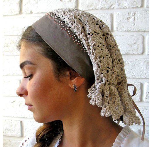 Russian headscarf
